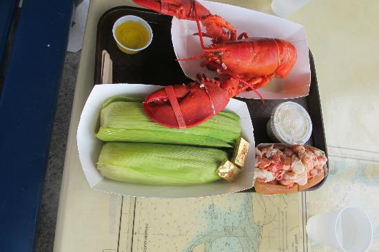 Southwest Harbor, ME: MMMMM...Lobster