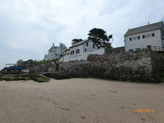 Bigbury-on-Sea Beach : pilchard inn