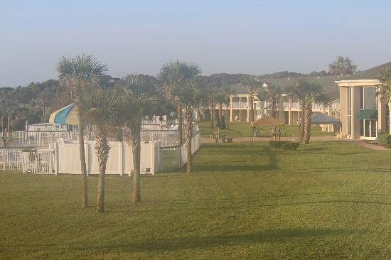 Days Inn & Suites Jekyll Island: The grounds