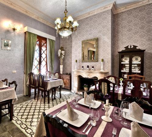 Hotel Restaurant Casa Ceremines: Comedor