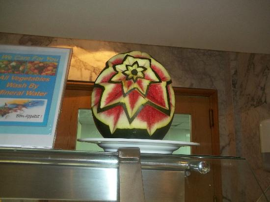 Coral Sea Aqua Club Resort: Watermelon art