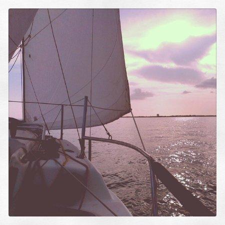 Florida Keys National Marine Sanctuary: Afternoon sail on a light breeze