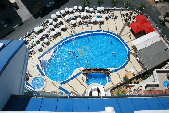 Diamond Hill Resort & Spa: Pool area