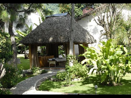 Hotel Regis Panajachel: Dans le jardin