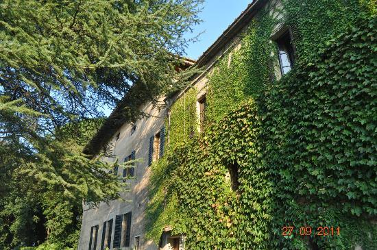 Agriturismo Castel di Pugna: fachada del frente del hotel