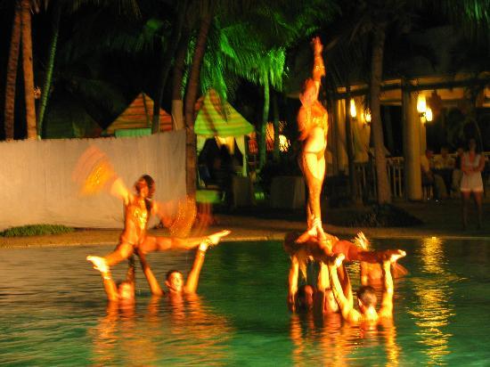 Paradisus Varadero Resort & Spa: Entertainment at main resort was great!