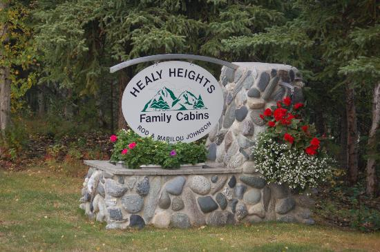 Healy Heights Family Cabins: Welcome sign