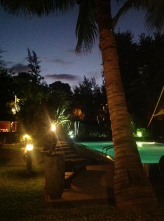 Alamanda Hotel: la meme vue le soir :)
