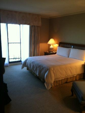 Four Seasons Resort and Club Dallas at Las Colinas: Inside Room 775