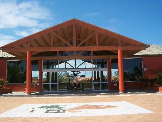 Aparthotel Oasis Tropical: l entree de l hotel