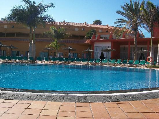 Aparthotel Oasis Tropical: la piscine parmi les 3