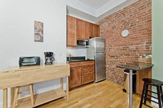 The Boston Christopher: One Bedroom Suite