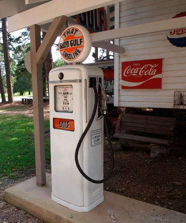 Carl J. McEwen Historic Village: Country Store and Gas Station