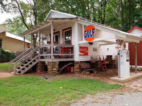 Carl J. McEwen Historic Village: Country Store