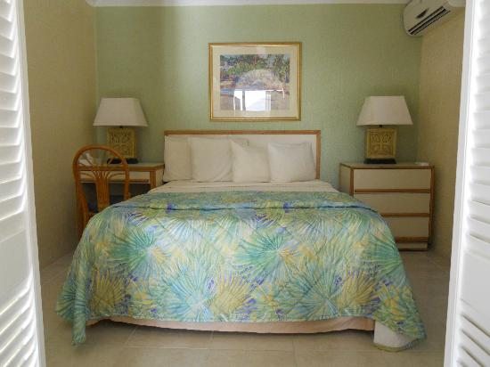 Flamboyan on the Bay Resort & Villas: Bedroom
