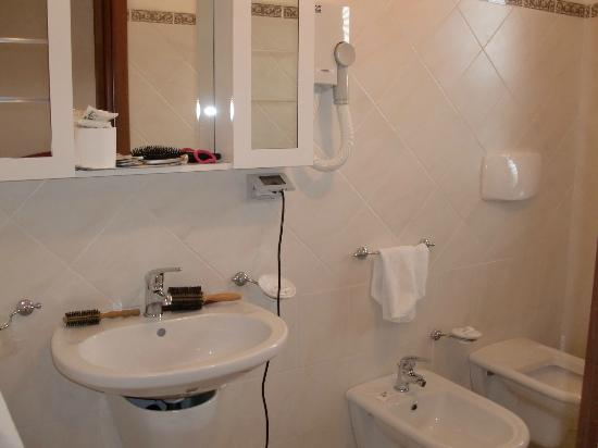 Hotel Residence Eolo: Bagno