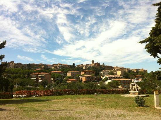 Hotel Terre di Casole: panorama Casole
