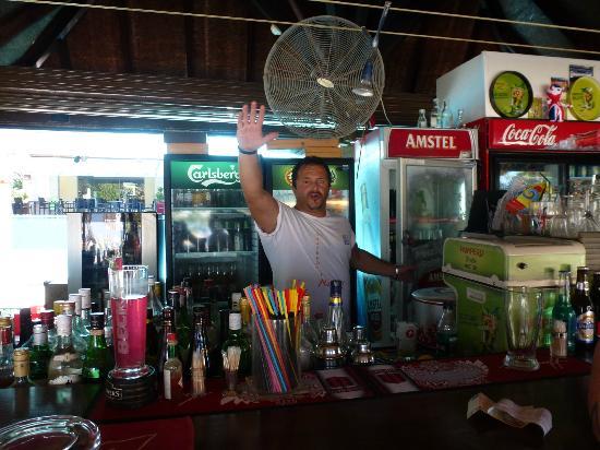 Naias Hotel: Leo the Barman