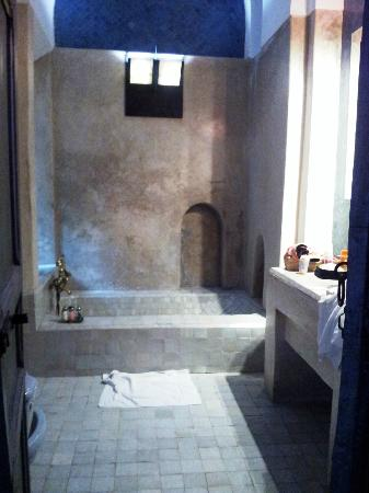 Riad Medea: Bathroom