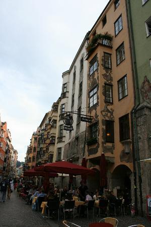 Hotel Restaurant Weinhaus Happ: Front of the hotel