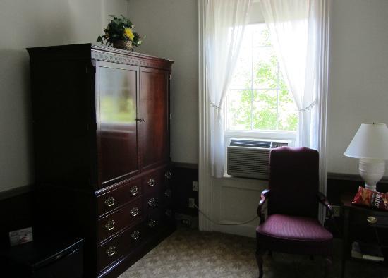 ميدلباري إن: de jolis meubles
