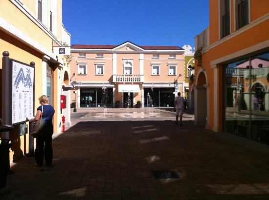 Outlet - Picture of Palmanova Outlet Village, Aiello del Friuli ...