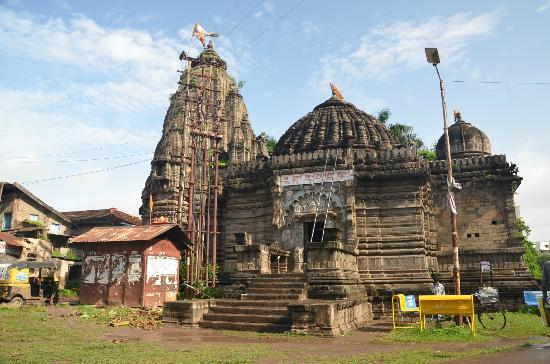 Pretty old temple - Picture of Sundarnarayan Temple, Nashik ...