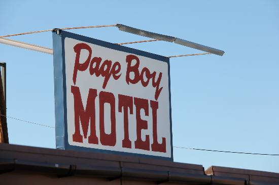 enseigne picture of page boy motel page tripadvisor. Black Bedroom Furniture Sets. Home Design Ideas