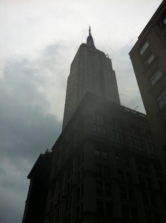 Hotel 373 Fifth Avenue: View!!