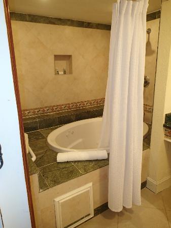 Jewel Dunn S River Beach Resort, Garden Tub Shower