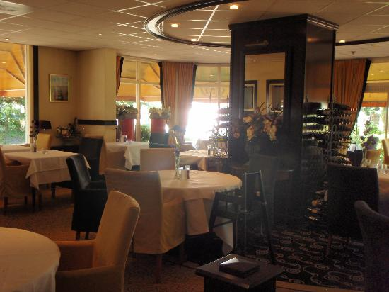 Badhotel Renesse: Dining room - dinner and b/fast