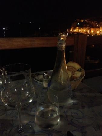 Hotel La Corricella: la vista dal ristorante dell' hotel (La Lampara)