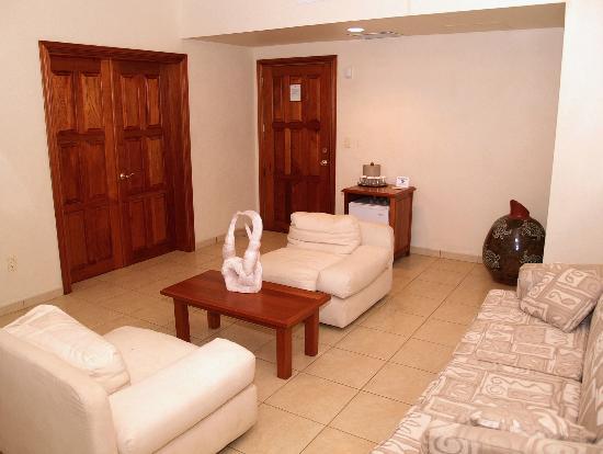 Marina Puesta del Sol: Living room of master suite