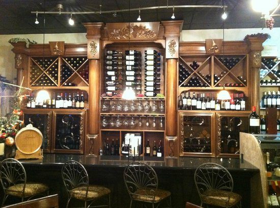 La Piazza Cafe : Over 100 Bottle Wine Selection