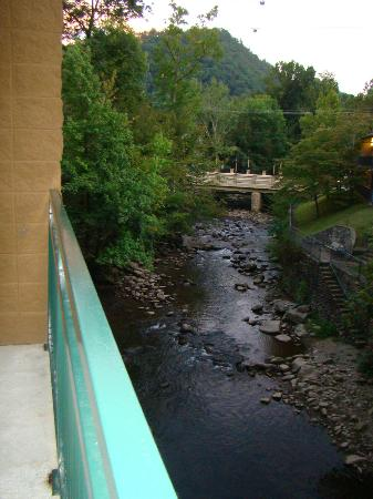 Old Creek Lodge: balcony view