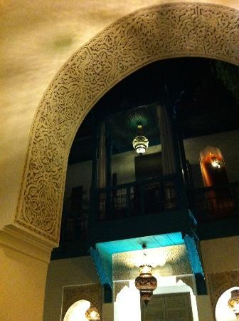 Riad Farnatchi: Stunning plaster carvings