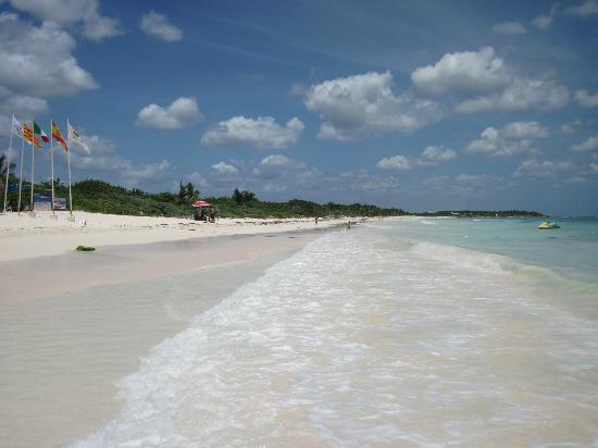 Grand Palladium Kantenah Resort and Spa: Beach (Kantenah/Colonial)