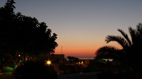 Sifnaika Konakia Traditional Settlements: coucher de soleil de notre terrasse
