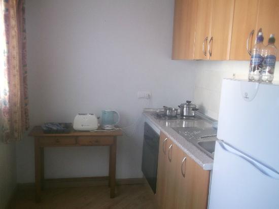 Martha's Apartments: kitchen