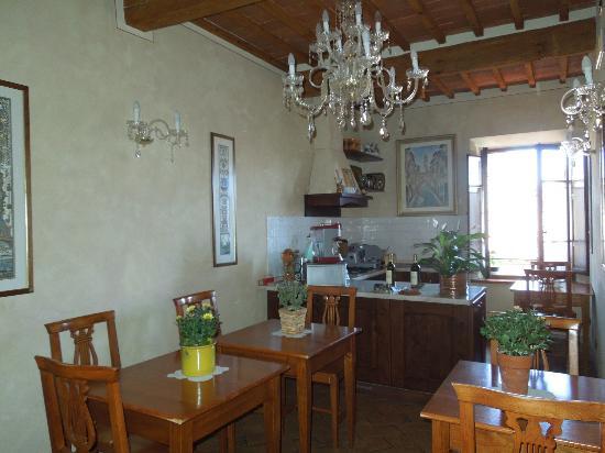 Palazzo al Torrione: sala della colazione