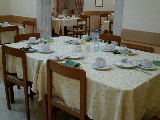 Custodia Di Terra Santa Casa Nova: Sala da Pranzo, Casa Nova di Nazareth
