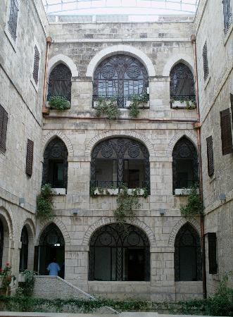 Custodia Di Terra Santa Casa Nova: Patio interno, Casa Nova di Gerusalemme