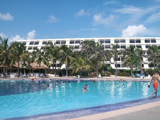 Grand Oasis Cancun - All Inclusive: desde la pile al hotel