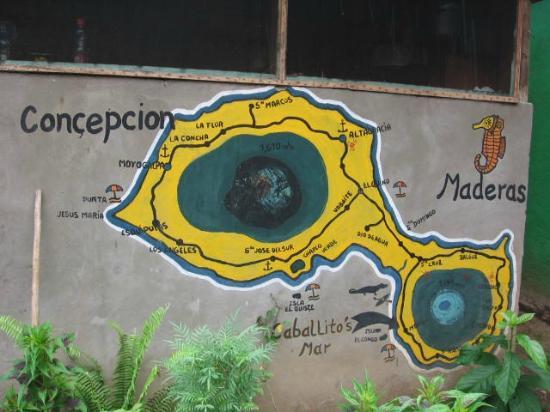 Hospedaje Caballito's Mar: Mural of Ometepe