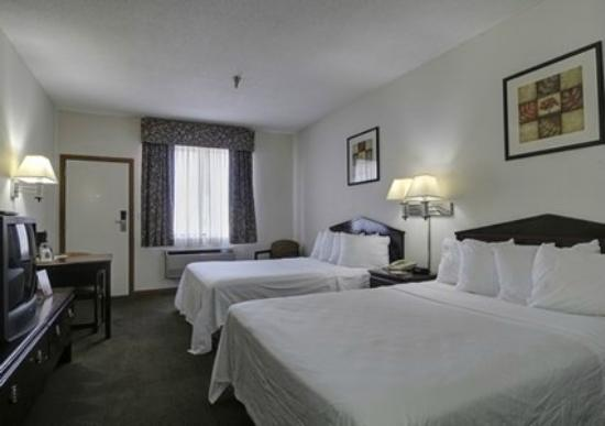 Quality Inn : Two Queen Bed Deluxe