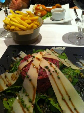 The Orange Tree: steak Tartare with Fries (excellent!)