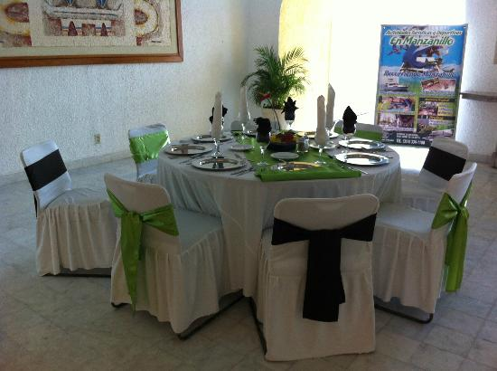 Tesoro Manzanillo: Wedding or event table setup example