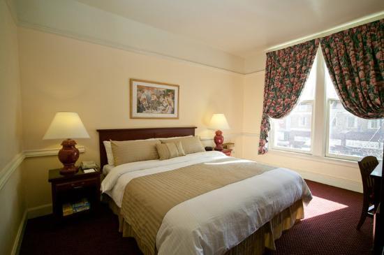 Renoir Hotel Standard King