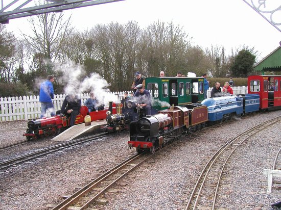 Eastleigh Lakeside Railway: A steam day out