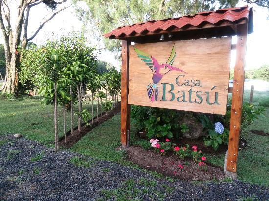 Casa Batsu: sign at the front 